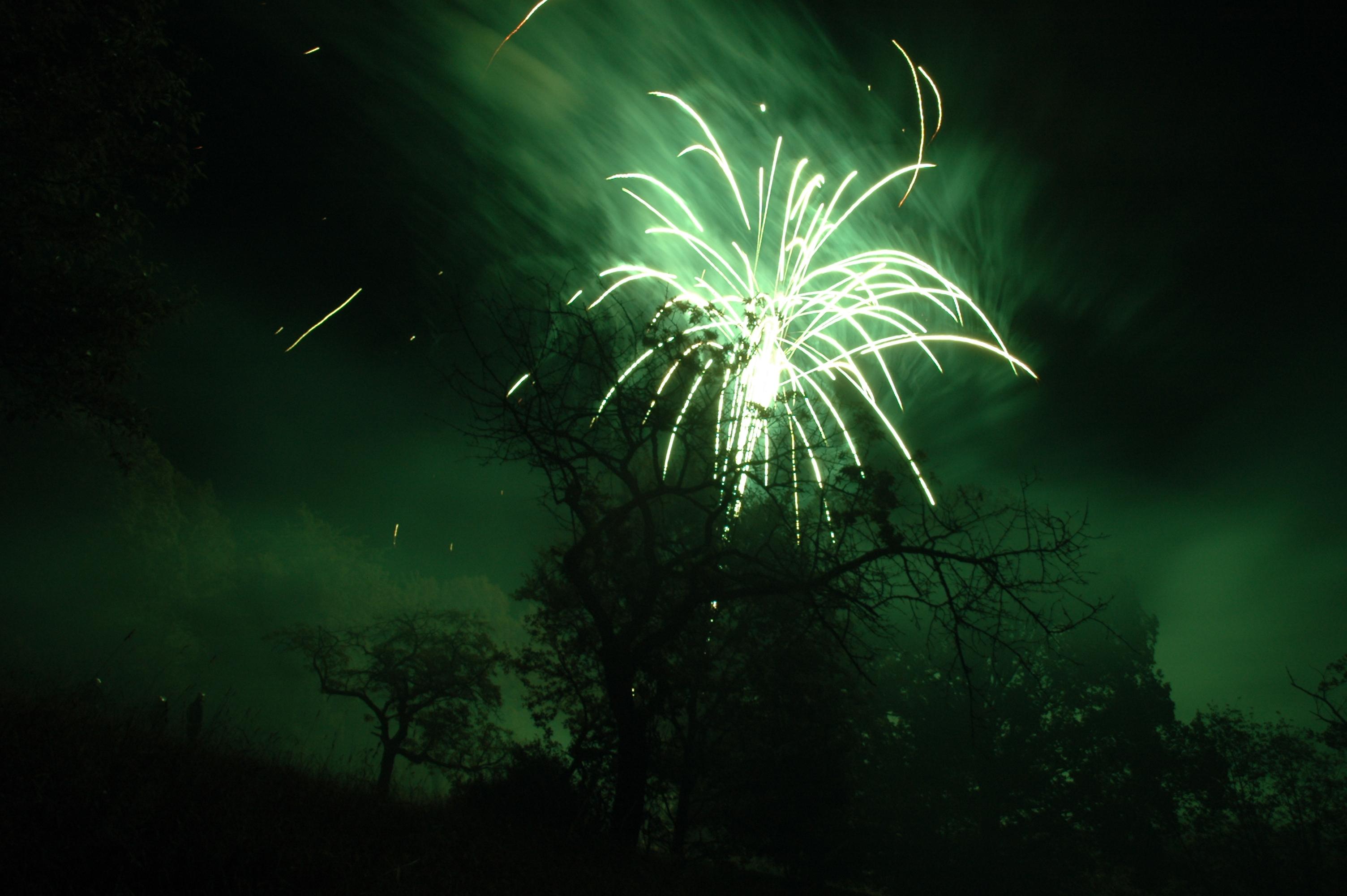 Feuerwerk am Laubacher Lichterfest (Ramsberg-Perspektive)